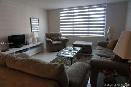 5161 Collins Ave #910 photo07