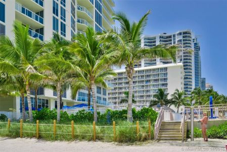 16699 Collins Ave #3804 photo010