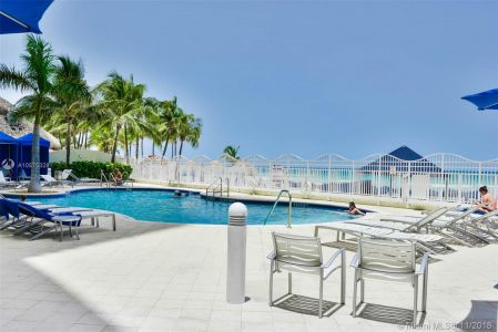 16699 Collins Ave #3804 photo08