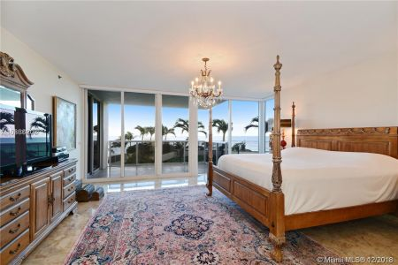 19111 Collins Ave #201 photo08