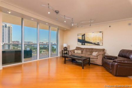 18911 Collins Ave #1603 photo05
