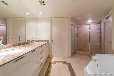 18911 Collins Ave #1603 photo09