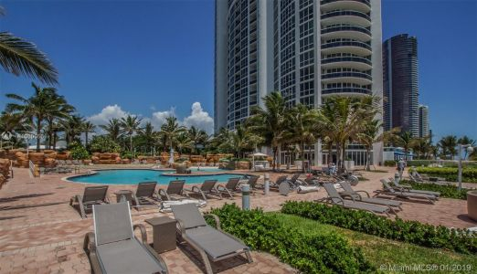 18201 Collins Ave #5204 photo022
