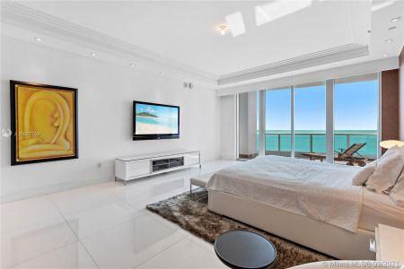 5959 Collins Ave #1104 photo022