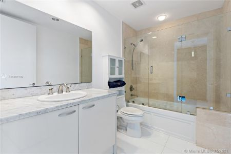 5959 Collins Ave #1104 photo028