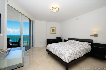 17201 collins ave #1508 photo014