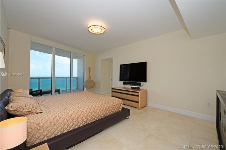 17201 collins ave #1508 photo09