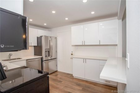5555 Collins Ave #9Z photo011