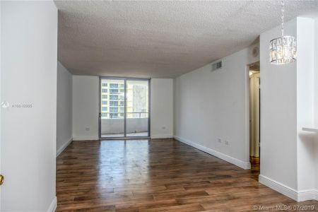 5555 Collins Ave #9Z photo015