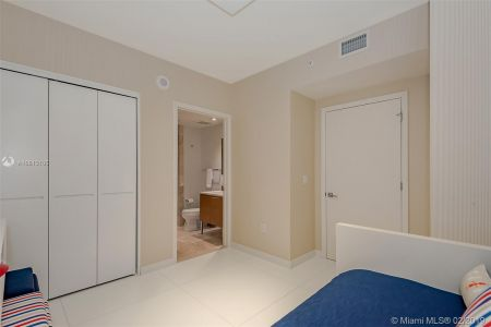 17001 Collins Ave #2502 photo015