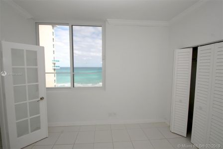 5005 Collins Ave #1525 photo07