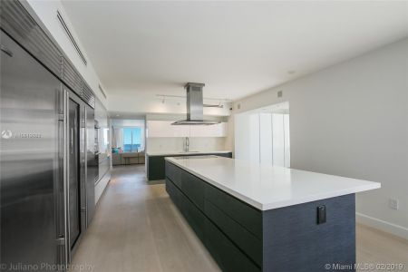 5801 Collins Ave #500 photo025