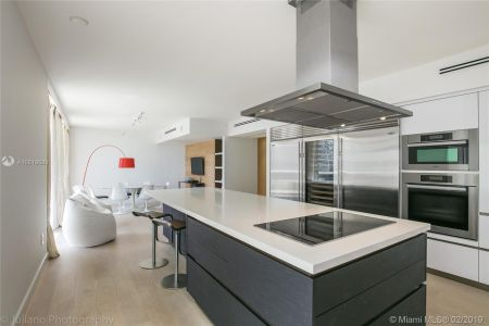 5801 Collins Ave #500 photo027