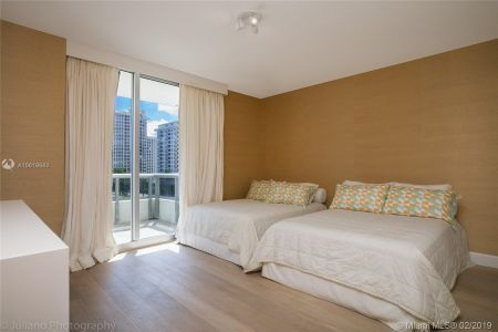 5801 Collins Ave #500 photo042