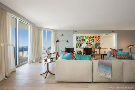 5801 Collins Ave #500 photo05
