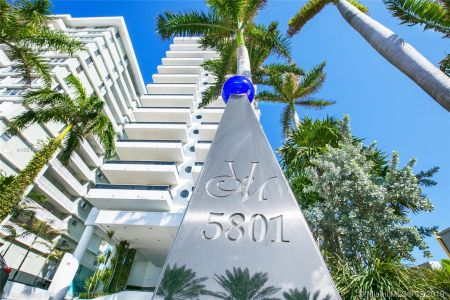 5801 Collins Ave #500 photo057