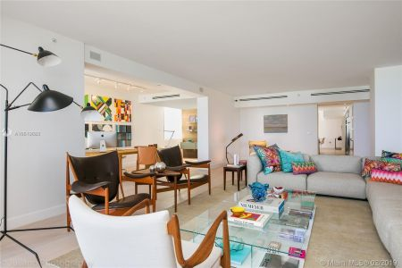 5801 Collins Ave #500 photo06