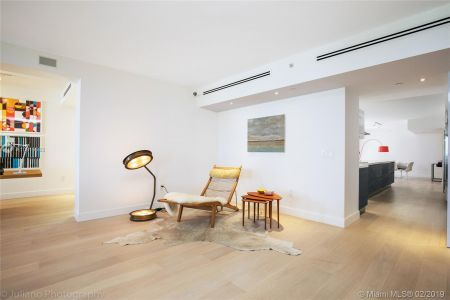5801 Collins Ave #500 photo07