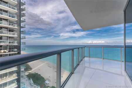 17001 Collins Ave #1908 photo05