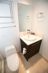 17121 Collins Ave #1505 photo024