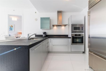 18201 Collins Ave #5508 photo02