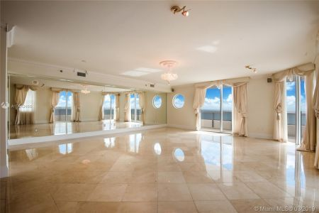 5801 Collins Ave #700 photo011