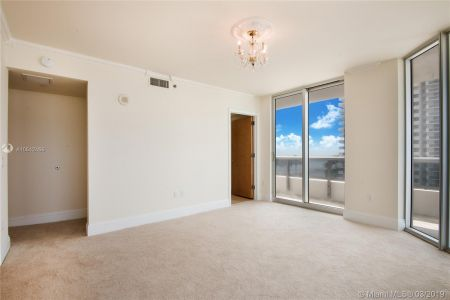 5801 Collins Ave #700 photo020