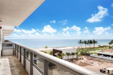 5801 Collins Ave #700 photo08