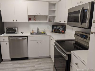 5161 Collins Ave #1410 photo06