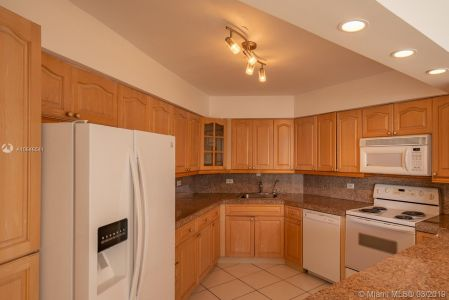 5151 Collins Ave #524 photo014