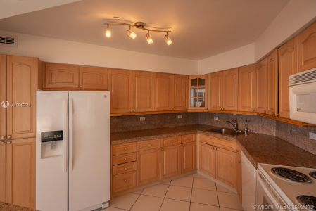 5151 Collins Ave #524 photo015