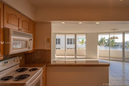 5151 Collins Ave #524 photo017