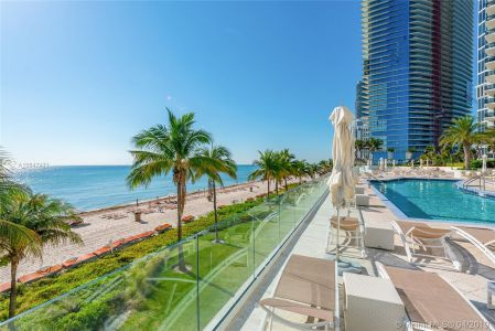 19111 Collins Ave #3708 photo025