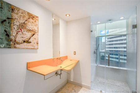 1643 Brickell Ave #2101 photo016