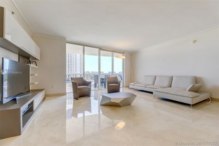 18911 Collins Ave #703 photo04
