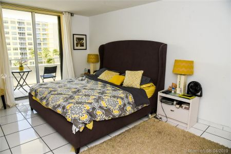 5555 Collins Ave #6W photo03