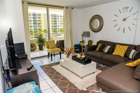 5555 Collins Ave #6W photo08