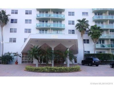 19380 Collins ave #826 photo010
