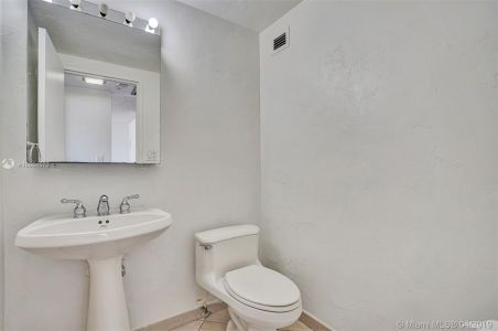 5601 Collins Ave #1215 photo013