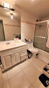 5601 Collins Ave #414 photo010