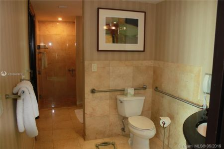1437 Collins Ave #204 photo010