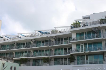 1437 Collins Ave #204 photo032