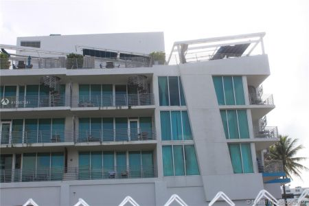1437 Collins Ave #204 photo034