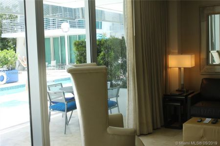 1437 Collins Ave #204 photo07