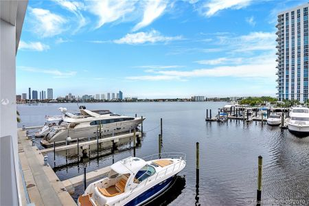 17301 Biscayne Blvd #207 photo02