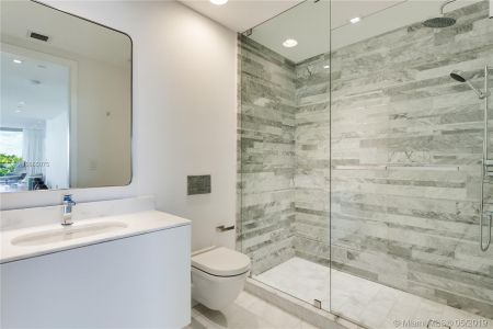 10203 Collins Ave #311 photo012
