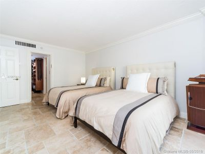 5555 Collins Ave #4Z photo08