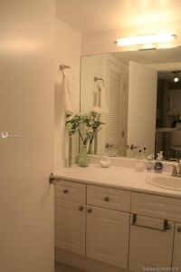 2301 Collins Ave #828 photo05