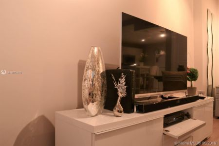 2301 Collins Ave #828 photo07