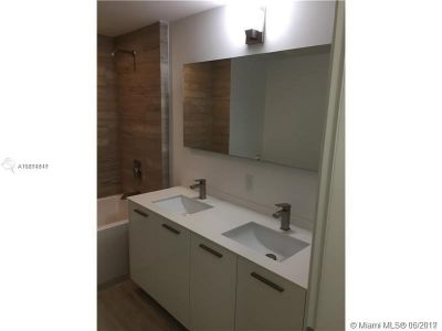 1300 Brickell Bay Dr #1807 photo013